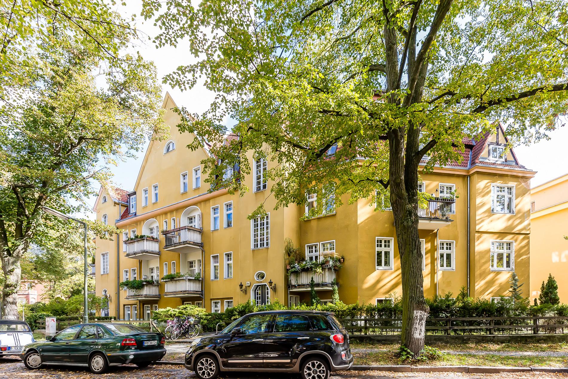 Exklusivvertrieb: Lichtdurchflutete Maisonette-Wohnung in ruhiger und grüner Lage in Zehlendorf