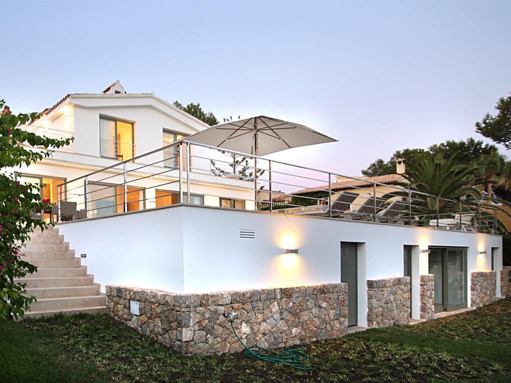 Charmante Villa in Santa Ponsa mit Meerblick und 4 Schlafzimmern